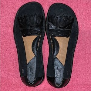 New Girl's Size 13 or 1 Black Suede BORN Loafers